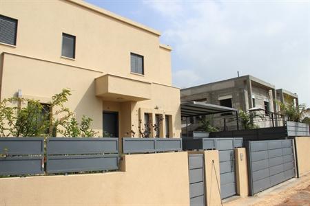 מיוחדים בית למכירה בכפר יונה גבעת אלונים | דירות למכירה בנתניה | בתים SN-75