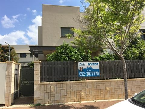 מגניב בתים למכירה בכפר יונה | דירות למכירה בנתניה | בתים למכירה בשרון LV-47